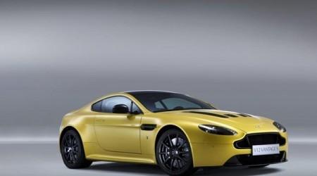 Aston Martin V12 Vantage S көлігі