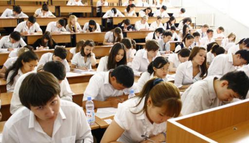 ҰБТ-ның бірінші күні оқушылардың 1/4 бөлігі тестілеуден құлады