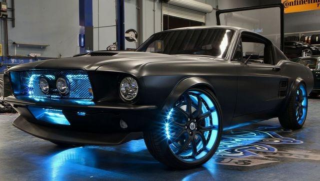 Автокөлік: Microsoft пен Ford Mustang