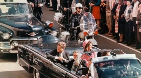 Джон Кеннедидің өлімі және қолшатыр ұстаған жұмбақ адам
