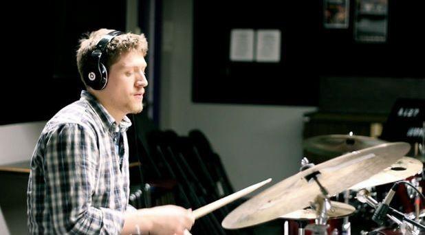 Канадалық музыкант әлемдегі ең жылдам барабаншы атанды