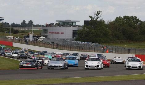 Porsche 911 моделінің парады болып өтті