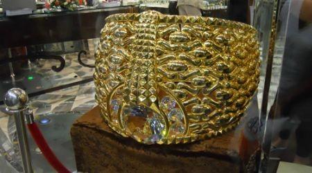 Пәкістандықтар әлемдегі ең үлкен 3 жүзік жасап шығарды
