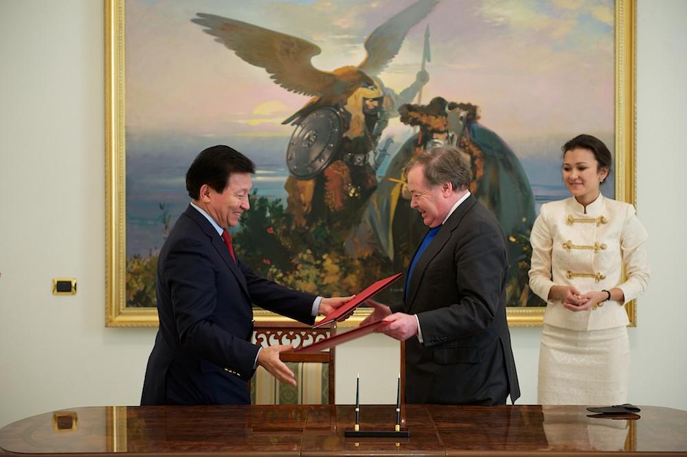 «Астана Опера» серіктестік жөнінде меморандумға қол қойды
