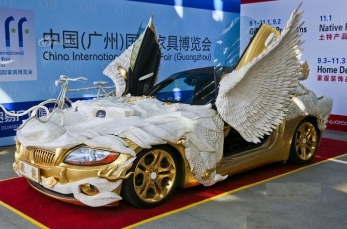 BMW Z4 автокөлігі қанатты айдаһарға айналды