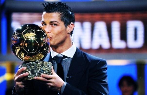 «Алтын допты» Роналду алады...