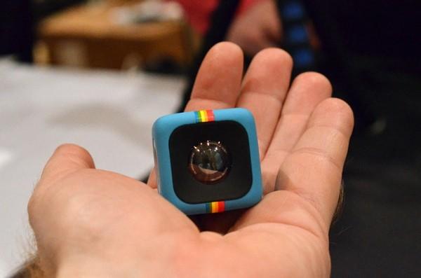 Текшедегі миниатюралық камера