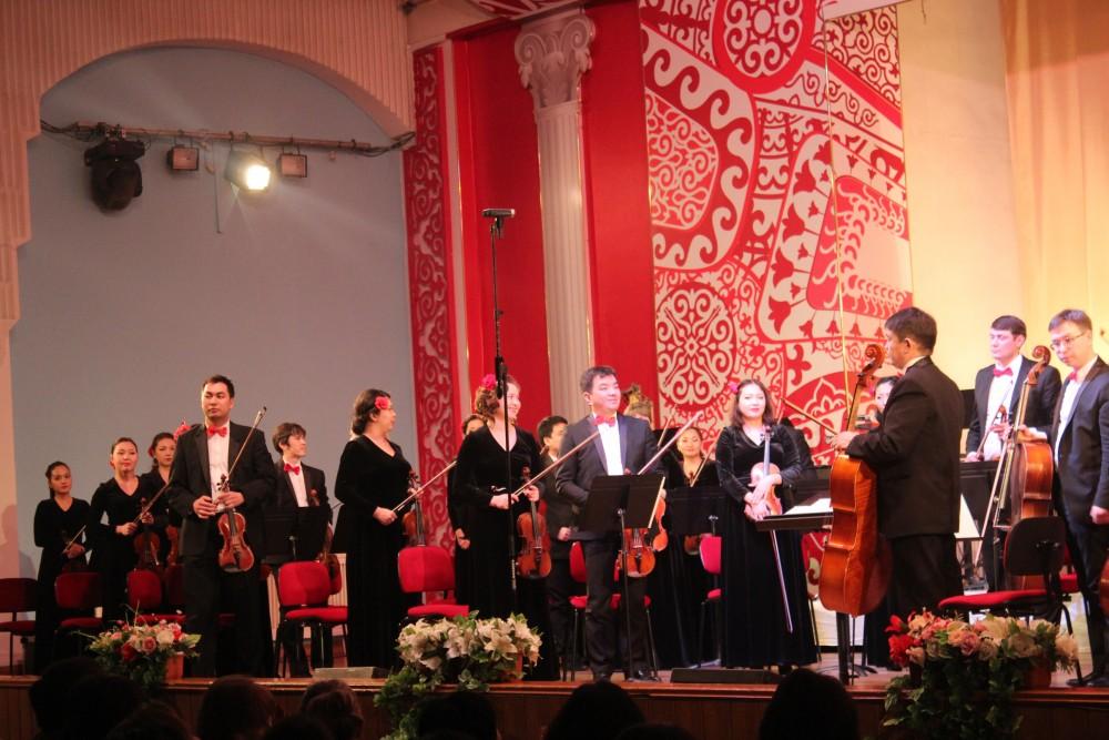 Чайковский әуенінде қалықтаған Алматы