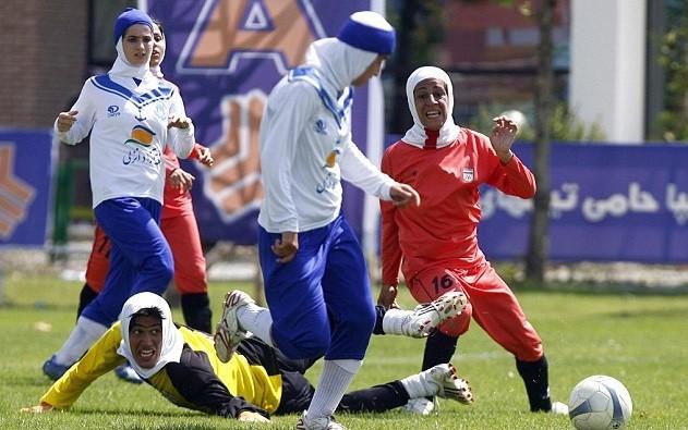 Иран әйелдер құрамасының төрт футболшысы еркек болып шықты