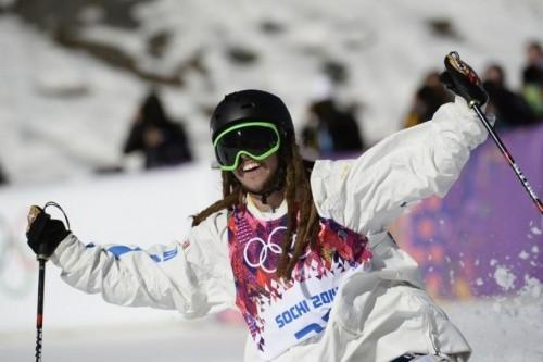 Сочи-2014: шалбарын жоғалтуға шақ қалған спортшы