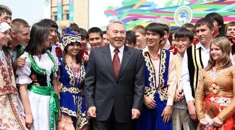 Ел президенті мерекені Алматыда өткізді (Фотобаян)