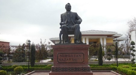 Нұрсұлтан Назарбаевтың Анкарадағы ескерткіші (Фото)