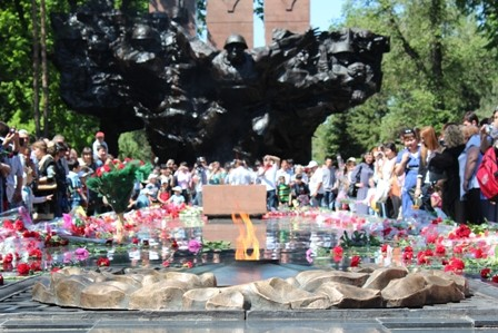 Алматыда 9 мамыр - Жеңіс күні атап өтілуде. Фотобаян