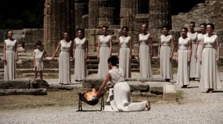 Грекияда 2012 жылғы Олимпиаданың алауы жағылды