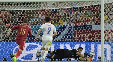 Чили қақпашысы «Барселона» қатарын толықтырды