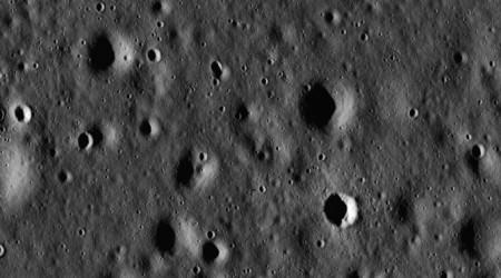 Жердің тартылыс күші Айдағы кратерлердің пайда болуына себепші