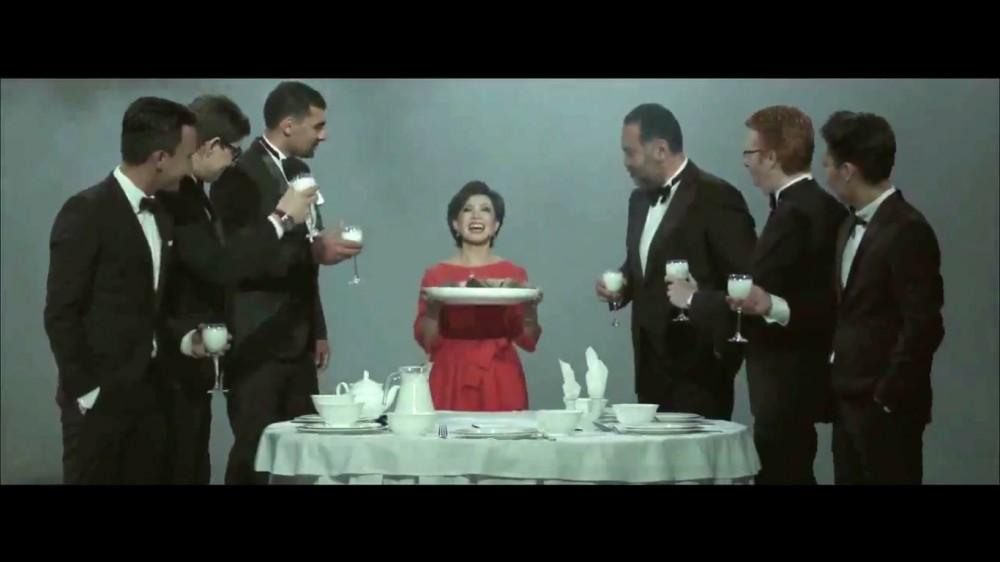 Беш. Роза Рымбаева бешбармақ туралы клипке түсті (Видео)