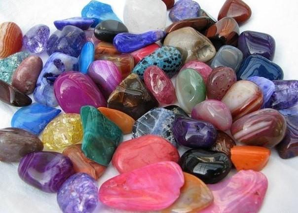 Сиқырлы тастар мен минералдар