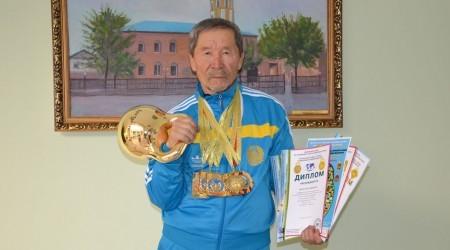 Әлем рекордын орнатқан Әмірбай Рысқұлов дүниеден озды