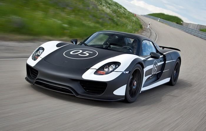 Porsche 918 Spyder Hybrid -
