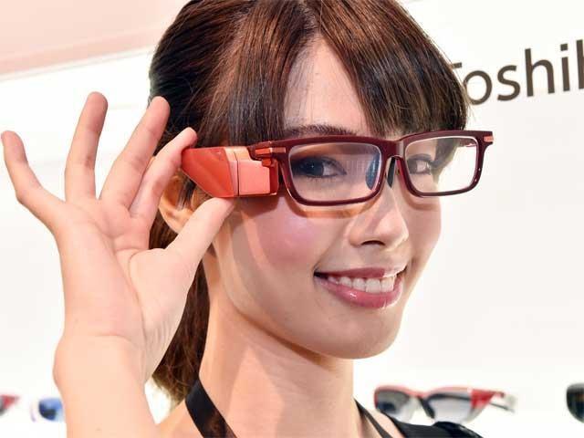 Toshiba жаңа смарт-көзілдірік шығарды