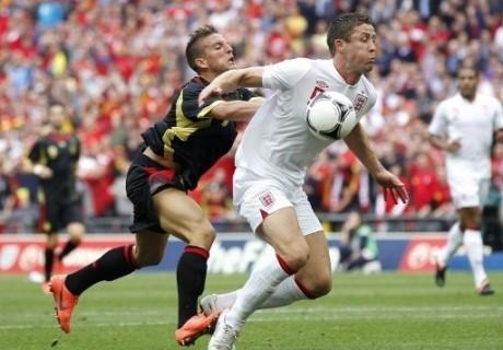 Англияның тағы бір қорғаушысы Еуро-2012 турниріне қатыспайды