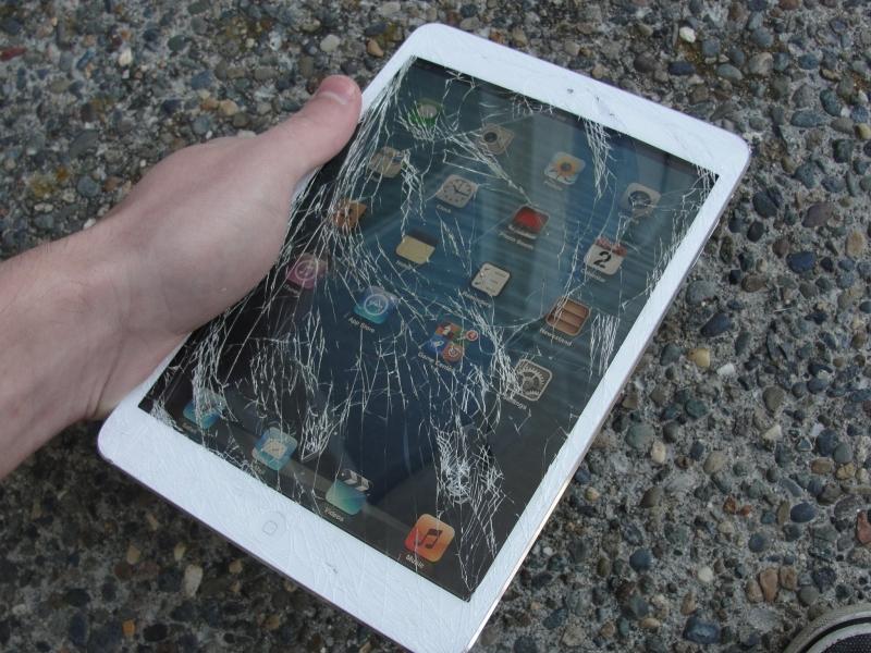 iPad Air 2 планшеті краш-тестен өте алмады