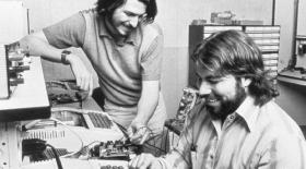 Стив Возняк: «Apple тарихы гараждан басталмаған»