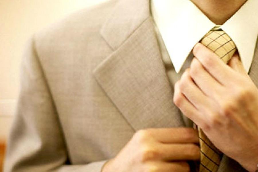 Екі минутта галстук байлау тәсілі (Видео)