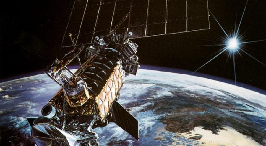 АҚШ-тың әскери спутнигі орбитада жарылып кетті