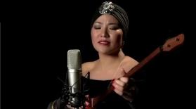 Әсел Қарсыбаева Стингтің әнін домбырамен орындады (видео)
