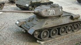 9 мамыр. Жеңістің 70 жылдығына арналған шеруге қатыстырылатын Т-34 танкісі жөндеуден өтті