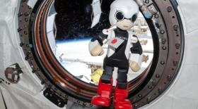 Ғарыштан оралған робот Гиннестің рекордтар кітабына енді