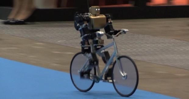 Жапондықтар велосипедші-робот жасап шығарды