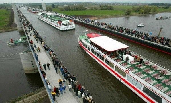 Өзен үстіндегі өзен: Магдебург су көпірі