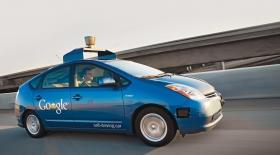 Google көлігі 6 жылда 11 рет жол апатына ұшыраған