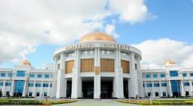 А.Сəрінжіпов Назарбаев Университетінің алғашқы түлектерін құттықтады