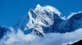 Эверест Непалдағы жер сілкінісінен кейін үш сантиметрге жылжыды