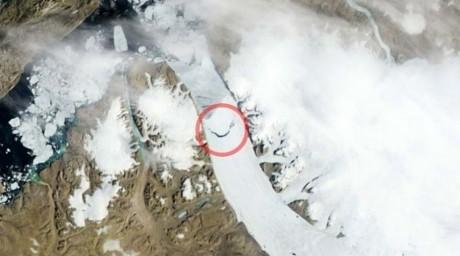 Гренландиядан алып айсберг бөлінді