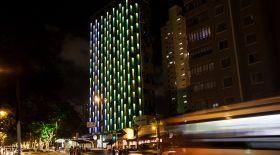 Бразилиядағы қонақ үй жарық диодтарымен безендірілді