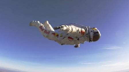 Австриялық парашютші 30 км биіктіктен секірді