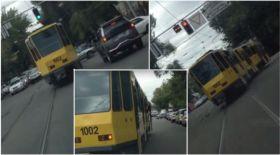 Алматыда трамвайдың қатысуымен болған жол апатының видеосы жарияланды