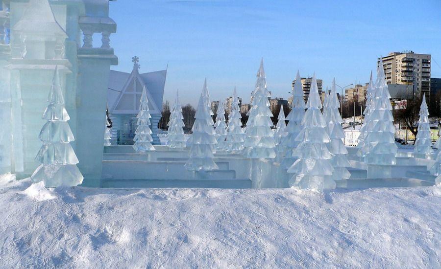 Астанадағы мұз қалашығының құрылысы қарқынды