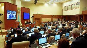 Назарбаев депутаттарды Жаңа жыл мерекесімен құттықтады