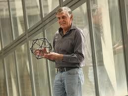 2011 жылы Нобель сыйлығы квазикристал тақырыбындағы жаңалық үшін берілді