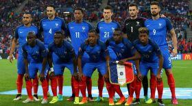 Франция құрамасы бірінші болып топтан шықты (видео)