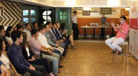 Алматы жастары кәсіпкер Қуаныш Шонбаймен Бизнес-таңғы аста кездесті