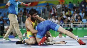 Ғалымжан Өсербаев Олимпиаданың жартылай финалына шықты