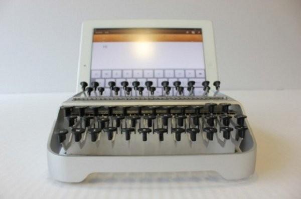 Өткен күн оралады. iPad-тың машинкалы түрі