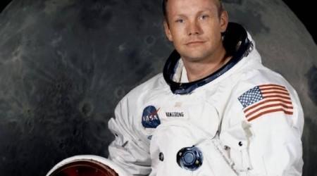 Нил Армстронг теңізде жерленетін болды